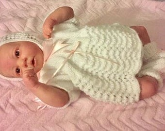 Baby Knitting Patterns  : 14-16 inch doll or premmie Baby