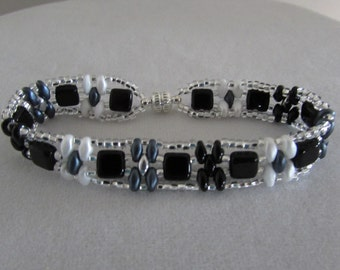 Black, Gray and White Beaded Bracelet