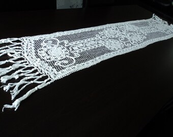 Vintage French stunning hand crochet white cotton table runner  (02624)