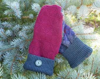 sweater mittens, upcycled sweater mittens, recycled sweater mittens, ladies mittens, handmade mittens, kateshandiwork, warm mittens, green