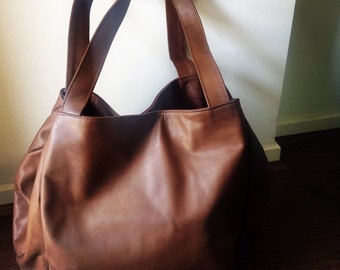 Extra large, leather tote, shoulder bag, perfect for travelling large leather tote. Ideal as a Nappy or diaper baby bag. Extra Large tote