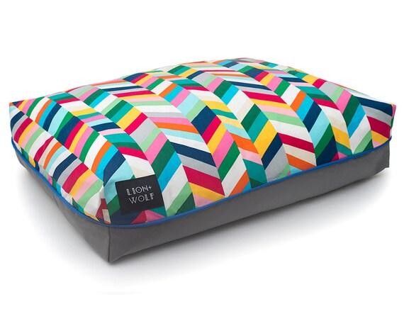 chevron dog bed technicolor removable dog bed cover. Black Bedroom Furniture Sets. Home Design Ideas
