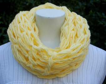 lemon arm knit scarf cowl, arm knitting, neckwarmer, infinity scarf