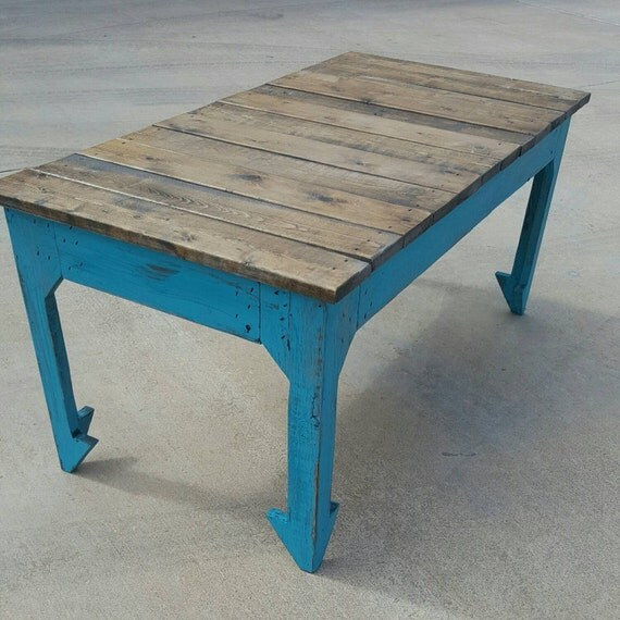 Reclaimed Wood Coffee Table Legs: Boho Style Reclaimed Wood Coffee Table With Split Arrow Legs