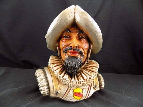 Spanish CONQUISTADOR Bust/Statue Vintage Detailed Conqueror Knight STATUE VINTAGE 1967 Universal Sanctuary Studios
