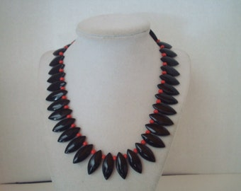Vintage black and red necklace with earrings