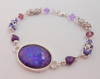Silver Chainmaille Beaded Bracelet with Purple Cabochon