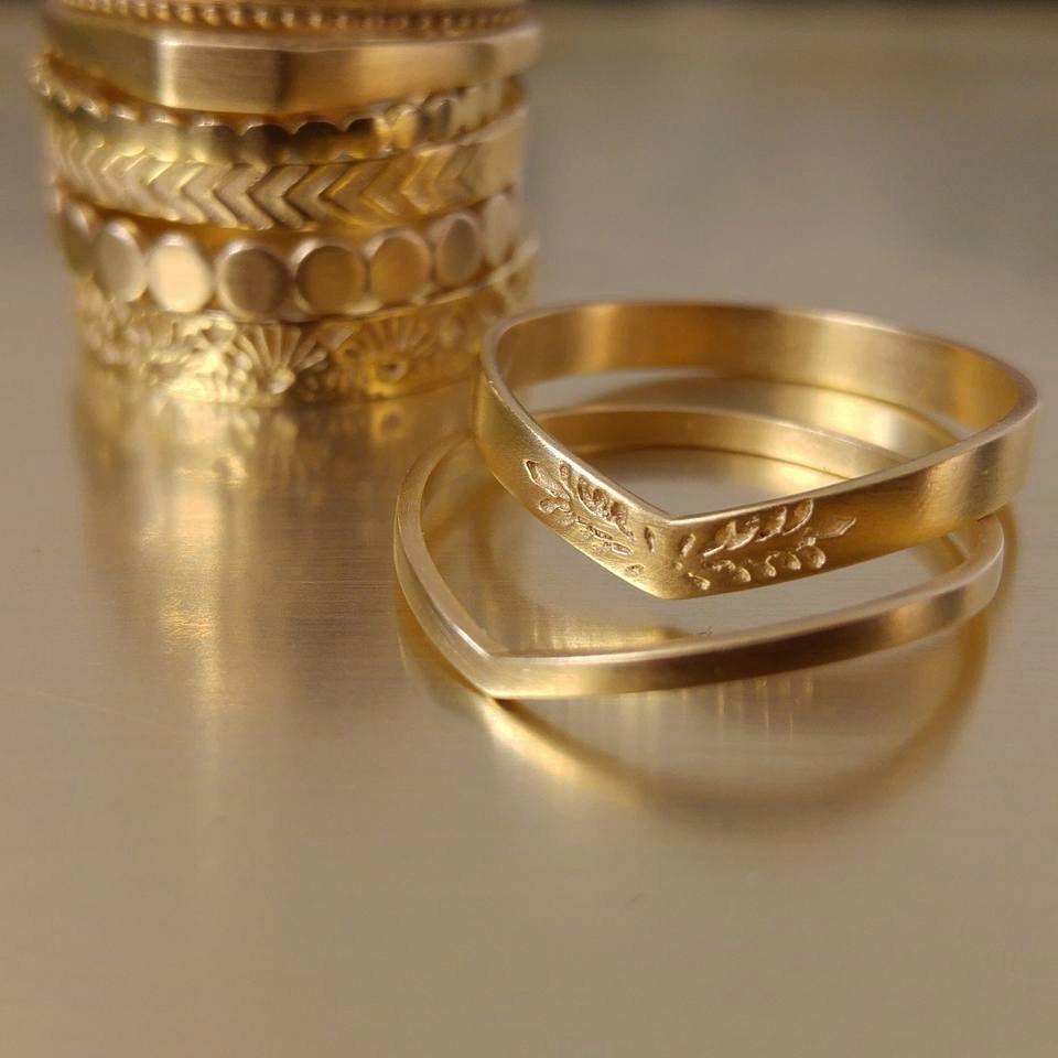 womens wedding ring set unique wedding bands vintage style. Black Bedroom Furniture Sets. Home Design Ideas