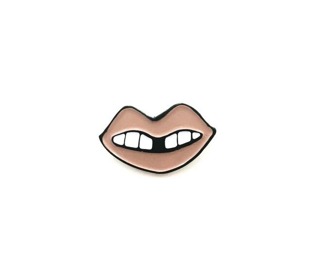 Nude Lip Pin