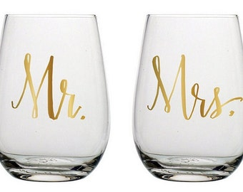 Mr and Mrs Wine Glasses | Stemless Wine Glasses | Wedding Wine Glasses | Wedding Gift | Custom Wine Glass | Monogram Wine Glass | Wedding