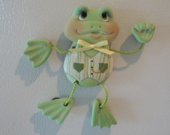 Ceramic poseable Frog magnet