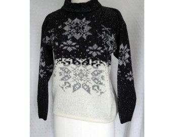 Winter wool reversible black/white/gray snowflake pattern knit sweater
