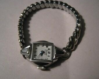 Vintage Benrus Women Wrist Watch Penney's 17 Jewels Swiss