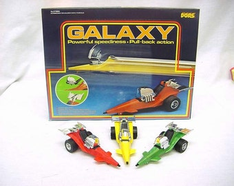 """Vintage Galaxy Racers Friction powered space """"SSP"""" style cars Fun science fiction 10 in store display"""