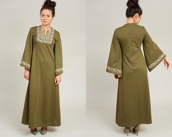 SALE! 70s Embroidered Thick Green Long Sleeve Tunic Dress • M