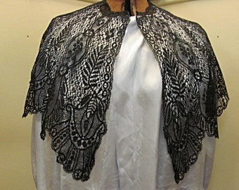 Black Chantilly Lace Collar or Shawlette, Vintage Beauty with Provenance, Free Shipping