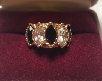 Vintage 14k gold ring with gem