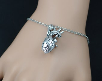 anatomical heart bracelet, silver human heart charm, anatomically correct 3D heart jewelry, valentines day gift, gothic, adjustable bracelet