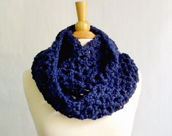 Blue Knitted Scarf for Women, Navy Scarf, Navy Infinity Scarf, Chunky Knit Scarf, Knitted Infinity Scarf, Christmas Gifts for Mom