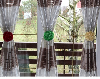 Curtain buckles