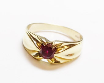 18ct Yellow Gold Ruby Ring