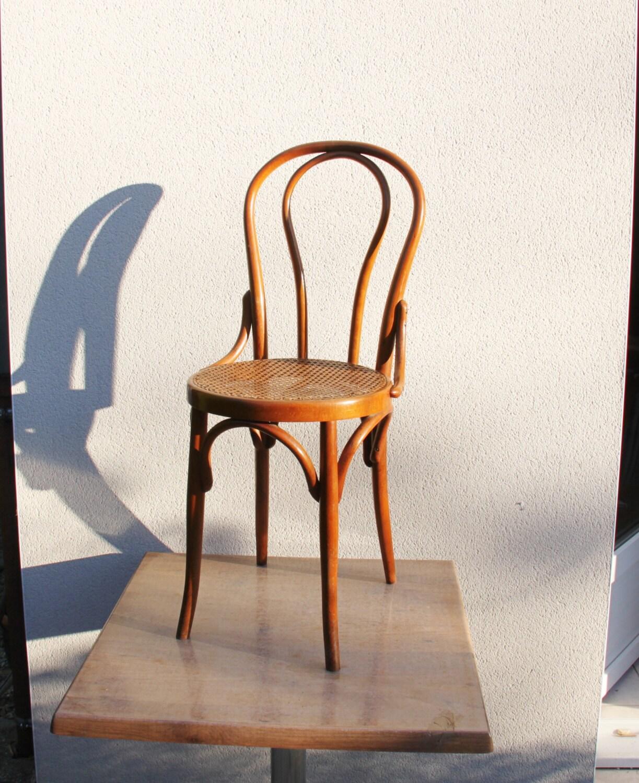 chaise thonet fischel d but 20 me si cle de superbe qualit de. Black Bedroom Furniture Sets. Home Design Ideas