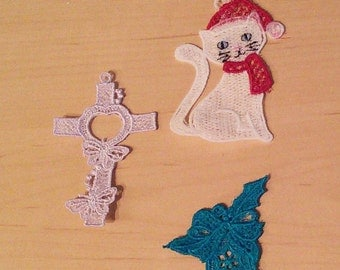 Christmas Ornaments (Lace or Ball)