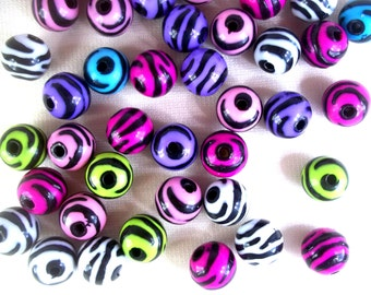 Set of 25 Zebra Striped Round Beads for Jewelry Making