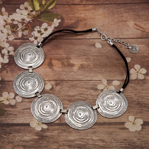 Spiral Disc Necklace Silver plate Pewter
