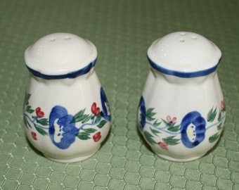 Salt and Pepper Shakers by Design Pac Inc.