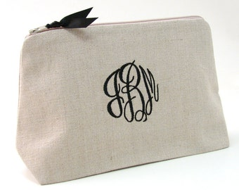 FREE SHIPPING-Monogrammed Cosmetic Bag. Personalized Makeup Bag. Personalized Bridesmaid Gifts. Embroidered Cosmetic Makeup Bags. Linen Bag
