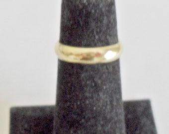 Pretty petite vintage ladies' Uncas 14K gold electroplated band ring size 3 3/4