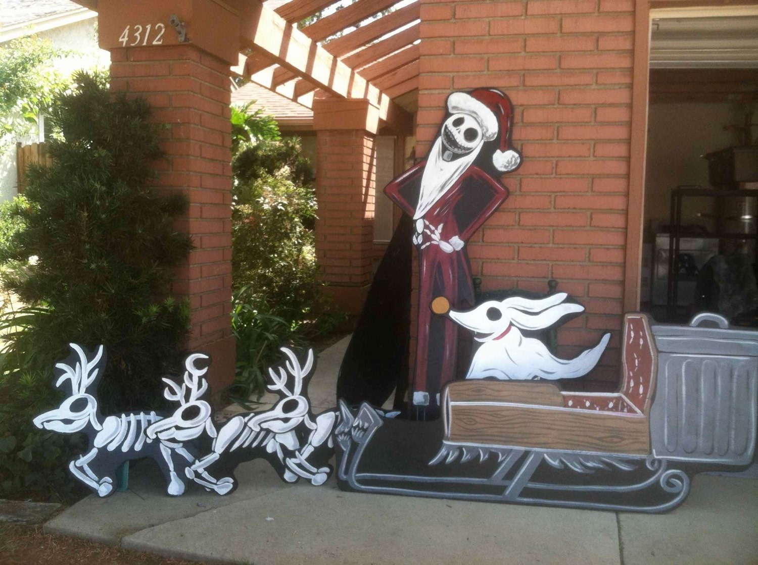 Jack skellington and sleigh by HolidayLawnCutouts on Etsy