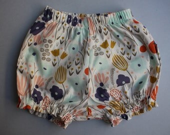 Baby Bloomers / Baby Shorts in Organic Cotton - Morning Meadow - READY TO SHIP by Little Dreamer