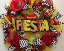 Fiesta Decor Wreath, Mexican Party, Maracas, Sombrero, Cinco de Mayo, 16 de Septiembre