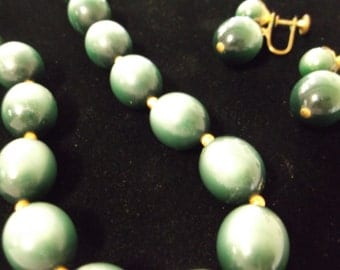 Lisner Green Beaded Necklace and Earring Set