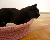 Handmade crochet pet bed, cat basket, gift for cat lovers, travel pet bed, pet lover gifts, small dog bed