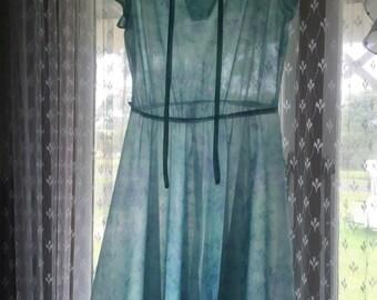 Womans vintage pretty dolly dress