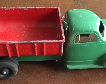 Hubley Kiddie Toy Green & Red Dump Truck #476