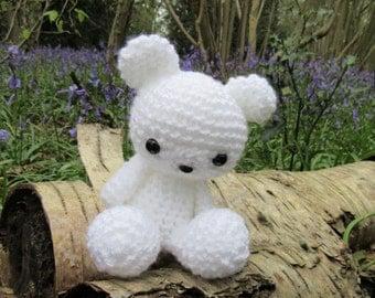 Pablo the polar bear small amigurumi