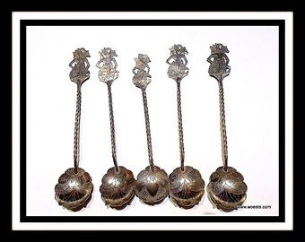 W.A.M OldFashion - Set of five Djokja teaspoons made of authentic Indonesian Djokja silver from the 20's.