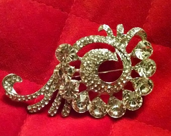 Vintage crystal flourish silver brooch pin nickel free