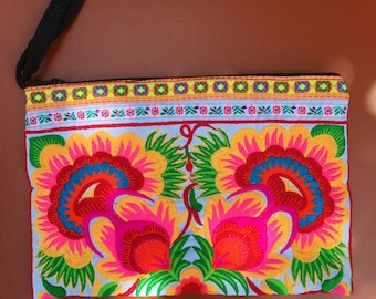 Multicolored embroidery purse