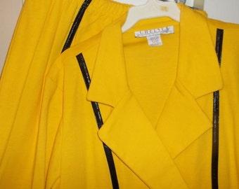 SALE Vintage Sz L Career Dressy Skirt Suit by Chelsea, Yellow w/Black Trim, 100% Cotton, Church Suit from Chelsea, Yellow Cotton Suit