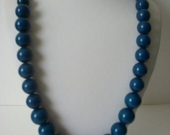 ON SALE Vintage JOANS Collectons Blue Beads Necklace 1549