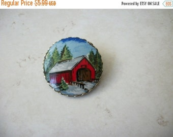 ON SALE Vintage 1950s Red Barn Glass Pin 81716