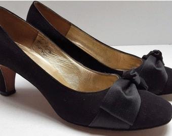 Beautiful ~ Andrew Gellar ~ 1960's ~ Evening Shoes ~ Velvet ~ Satin ~ Classy ~ Mad Men ~ Mod ~ Incredible!!!
