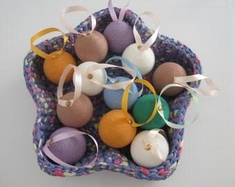 Xmas tree balls, Xmas tree ornaments, cheap xmas balls, holidays decor, christmas decorations, yarn xmas balls, handmade xmas decor, balls