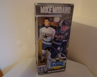 Mike Modano~1998 Collector Series~NEW~NHL Pro Zone Doll~Dallas Stars