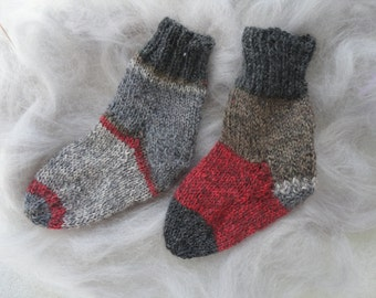 Knitting,socks for children